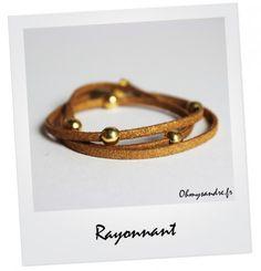 Bracelet triple liens en daim pailleté doré et ses 5 boules dorées - Fait main