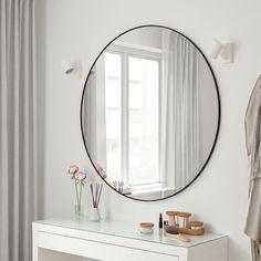 LINDBYN Spiegel - zwart - IKEA Large Bathroom Mirrors, Small Bathroom Interior, Ikea Mirror, Entryway Mirror, Design Bathroom, Simple Bathroom, Modern Bathroom, Bathroom Ideas, Black Round Mirror