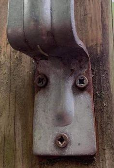 Door Knobs, Door Handles, Strange Places, Best Funny Pictures, Bottle Opener, Things To Sell, Home Decor, Faces, Comics