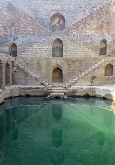 Chicago Journalist Victoria Lautman Spends Four Years Traversing India to Document Crumbling Subterranean Stepwells Before they Disappear.