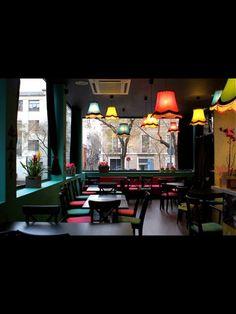 Le Petit Bangkok - Vallirana, 29 (Plaça Mañé i Flaquer) BCN