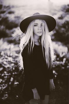 She's a witchy woman...love her all black style and long blonde hair.