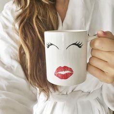 gooooooood morning! + lashes, lips and COFFEE, yes please!