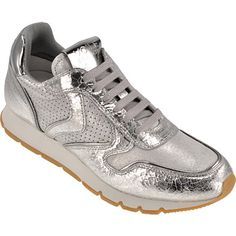 Voila Voile Blanche Sneakers. Metallic Fashion, Metallic Shoes, Shops, Sneakers, Veil, Ladies Shoes, Tennis, Tents, Slippers