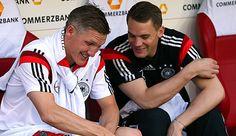neuer and schweinsteiger Dfb Team, Bastian Schweinsteiger, German Boys, Trainer, Fifa World Cup, Soccer Players, Germany, Munich, Manuel Neuer