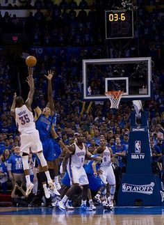 Kevin Durant does it again for the Thunder