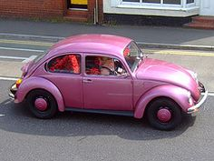 okay, one more honorary 'hot' pink car Hot Pink Cars, Hot Cars, Cute Pink, Pretty In Pink, Pink Beetle, Vw Super Beetle, Metallic Pink, Everything Pink, Barbie Cars