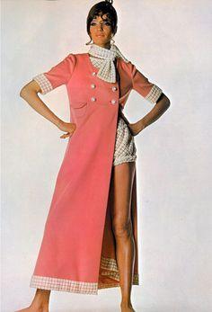 UK Vogue 1967 Photo by Irving Penn Model Veruschka von Lehndorff in Ungaro