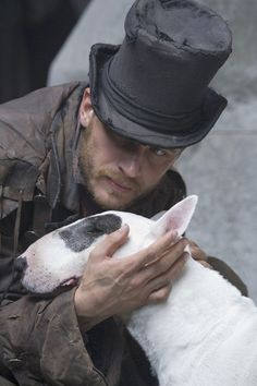 - Oliver Twist (TV Mini-Series Tom Hardy as Bill Sikes. The adventures of the orphaned Oliver Twist in Victorian London. Tom Hardy Dog, Tom Hardy Actor, Oliver Twist, English Bull Terriers, Bull Terrier Dog, Mini Bull Terriers, Best Dog Breeds, Best Dogs, Wooly Bully