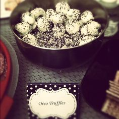 i made oreo truffles, for the black and white party :)