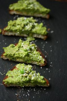 Mushy Pea Toasts with Mint / Feed Me Phoebe