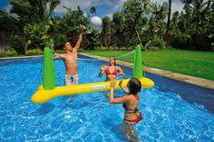 Une petite partie de volley dans la piscine, ça vous tente ?  Le filet de volley est gonflable pour en profiter rapidement. #jeu #eau #piscine #filet #volley #raviday