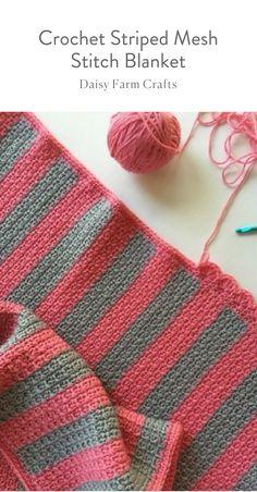 Free Pattern - Crochet Striped Mesh Stitch Blanket . #moderncrochet #freecrochetpattern