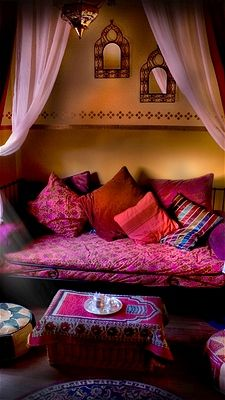 Take a trip around the world without ever leaving your home with Moroccan-inspired décor. Combining