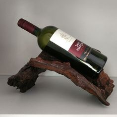 Porta vinho de madeira reciclada. #madeira #artesanato