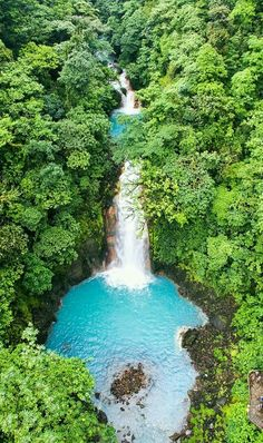 RÍO CELESTE. COSTA RICA