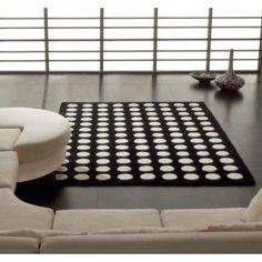 Alfombra Pompons Tostada y Beig #Ambar #Muebles #Deco #Interiorismo #Alfombras | http://www.ambar-muebles.com/alfombra-moderna-lana-100-pompons.html