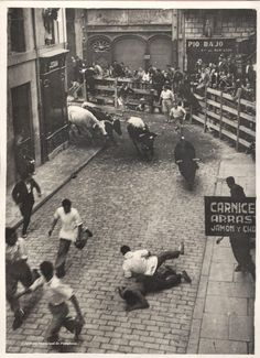 Encierro 1932: Running of the bulls in Pamplona, Spain