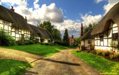 Welford, Nr Stratford On Avon, England Beautiful and picturesque village English Village, Beautiful World, Britain, Cool Photos, Around The Worlds, Mansions, House Styles, Places, Cottages