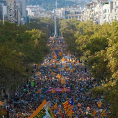 Massive crowds of pro-independence protesters gathered in the center of Barcelona, Catalonia's regional capital, chanting and waving Catalan flags on Saturday after Spanish Prime Minister Mariano Rajoy said his government was seeking to remove the leaders of Catalonia's regional government from power and call new elections as soon as possible. The move follows weeks of division triggered by a banned independence referendum on October 1. (📷: Lluis Gene/AFP/Getty Images)