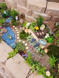 32 easy diy miniature fairy garden design ideas for summer 32 Related Large Fairy Garden, Fairy Garden Pots, Love Garden, Garden Farm, Garden Kids, Fairies Garden, Garden Crafts, Garden Projects, Diy Jardin