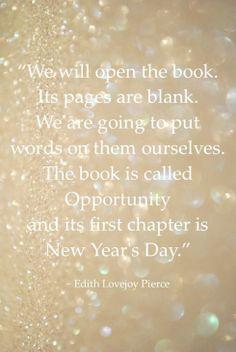 """Vamos abrir o livro e as suas páginas estão em branco. Somos nós mesmos que vamos escrever as palavras nessas páginas. O Livro chama-se """"Oportunidade"""" e o primeiro capítulo é o """"Dia de Ano Novo"""""""