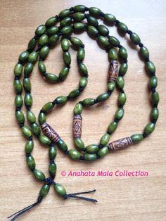 Green Wooden Mala - dailyetsysales on Etsy, 25,00€
