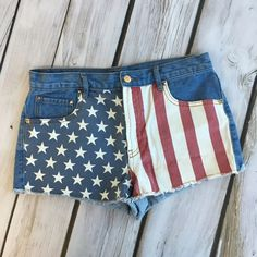 American Flag Jean Shorts!  Perfect for summer. Great condition Forever 21 Shorts Jean Shorts