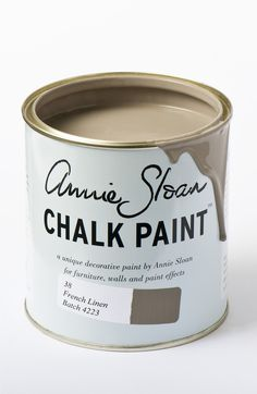 French Linen is a cool neutral khaki grey in the Chalk Paint® palette. Annie Sloan first developed her signature range of furniture paint in calling it 'Chalk Paint' because of this decorative paint's velvety, matte finish. Annie Sloan Paints, Kitchen Paint, Chalk Paint Kitchen Cabinets, Milk Paint, Painting Cabinets, Chalk Paint Kitchen, Wall Painting Decor, Paint Furniture, Chalk