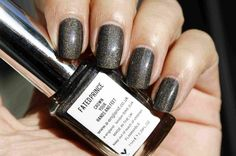 a england fated prince holografische nagellak holographic nail polish