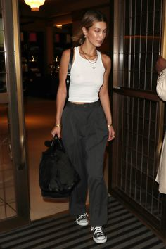 Best Clothing Part 12 Looks Street Style, Model Street Style, Looks Style, Bella Hadid Outfits, Bella Hadid Style, Mode Outfits, Casual Outfits, Fashion Outfits, Womens Fashion