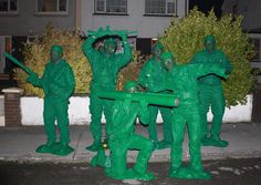 Green Army Men group Halloween costumes - would be cool, just not sure how to accomplish it. Group Halloween Costumes, Group Costumes, Holidays Halloween, Halloween Party, Halloween Ideas, Group Fancy Dress, Green Army Men, Holiday Fun, Holiday Ideas