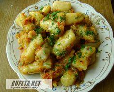 Картофельные клецки – кнедлики по монастырски: 1 часть крахмала, 2 части картофельного пюре, 1 яйцо на 0,5 кг картофеля.
