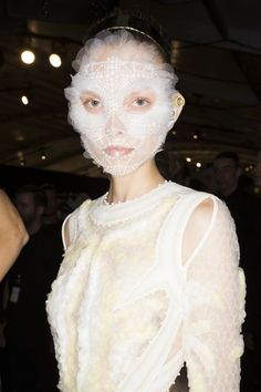 Givenchy Spring 2016 Ready-to-Wear Fashion Show Beauty