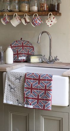 Beautiful printed Fabrics, Towels, Bedding and other Homewares from Bristol-based designer Emily Bond. Designs inspired by the British countryside. Wabi Sabi, Emily Bond, Emma Bridgewater Pottery, British Home, Union Jack, Country Kitchen, Cottage Style, Tea Towels, Pip Studio