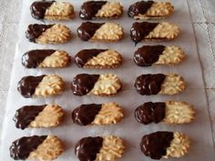 Trené rožteky, recept | Tortyodmamy.sk Oreo Cupcakes, Mini Cupcakes, Christmas Candy, Christmas Baking, Chocolates, Baking Recipes, Cake Recipes, Czech Recipes, What To Cook