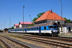 CD S-train to Praha-Bubny Vltavská @ station Rakovník | Flickr Train, Strollers