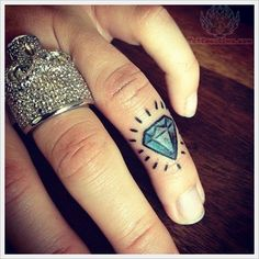 Charming Blue Diamond Tattoo On Finger : Diamond Tattoos Toe Tattoos, Knuckle Tattoos, Finger Tattoos, Body Art Tattoos, Hand Tattoos, Sleeve Tattoos, Color Tattoos, Tatoos, Trendy Tattoos
