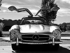 Mercedes-Benz 300SL Gullwing - 1954 by a7xbass94, via Flickr