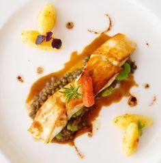 Mise à l'honneur du turbot lors de votre événement ! #foodporn #yum #dinner #tasty #food #delish #delicious #eating #foodpic #eat #foods #turbot #poisson #fish #assiette #inspiration #event #venue #wedding #weddingplanner #love #happiness #luxembourg #steffentraiteur #foodlover #foodblogger #waouw #legoutdubonheur