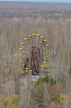 Bild: Die verlassene Stadt Pripyat bei Tschernobyl (© Sergii Kharchenko/Demotix/Corbis)Ukraine. 23. April 2013 -- Riesenrad in Pripyat