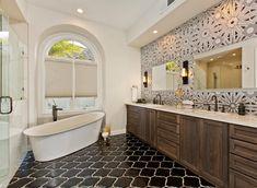 Small Master Bath, White Master Bathroom, Master Bathroom Layout, Bathroom Design Layout, Art Deco Bathroom, Bath Design, Bathroom Ideas, Bathroom Designs, Master Bedroom