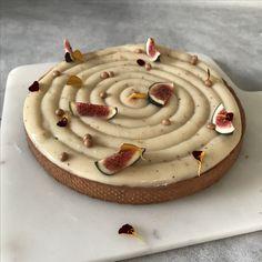 Tærte med figenmarmelade, figencreme og portvinsmazarin | Pie with fig, figcreme and marzipan.
