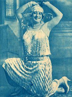 بديعة ماصبني راقصة مصر اﻷولي  من -  90 عام. Badeha,first egyptian dancer in1920's