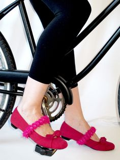 keep shoes on while riding  #DIY