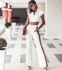 35+ Outfits Elegantes para lucir Glamurosa (2018) Fashion Outfits, Womens Fashion, Fashion Tips, Power Dressing, Office Outfits, Supergirl, Trousers, Vintage Fashion, My Style
