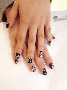 Hand draw Black Fun Nails, How To Draw Hands, Beauty, Black, Black People, Hand Reference, Beauty Illustration