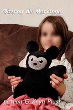 Oberon de Marianne en minky noir Mickey Mouse, Teddy Bear, Character, Plush, Model Face, Cuddling, Bears, Teddy Bears, Baby Mouse