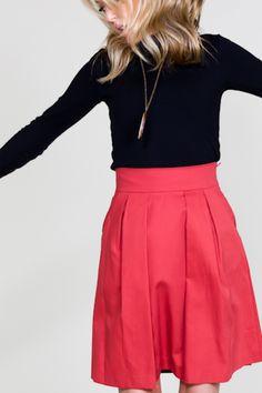 Red Twill Pockets Skirt.