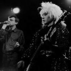 In the Brix Smith was best known as a guitarist in The Fall, and as the wife of its frontman Mark E. Smith, whom she divorced. Brix was one of very few women in British indie at a time when it was still any good. Goth Music, 80s Music, Mark E Smith, Ian Curtis, Music Images, Punk Art, California Dreamin', Post Punk, Popular Music